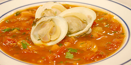 Soup Month 2009 – Manhattan Clam Chowder | The City That Breeds