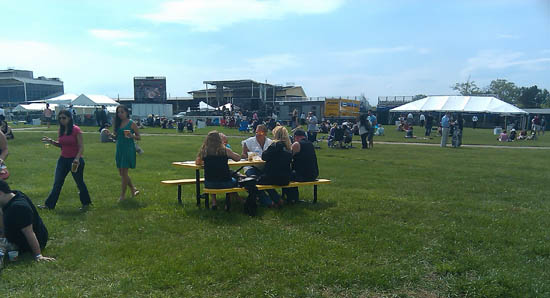 Review: Kentucky Derby Day at Pimlico